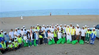 Bank of Beirut initiates a campaign to clean Al Seeb – Al Hail Beach